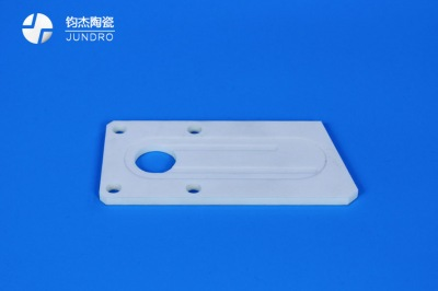 氧化铝陶瓷的性能及主要应用